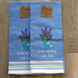 NWT Embroidered Tea Kitchen Towel
